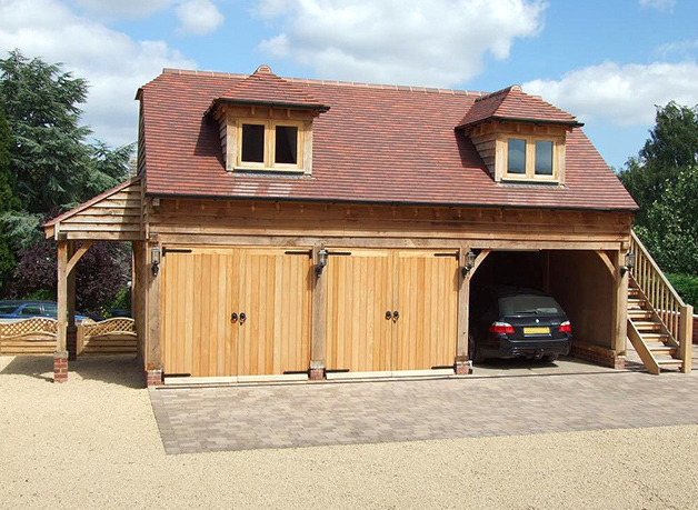 The green oak building company traditional 3 bay oak for Carport with apartment above