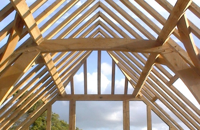 Green Oak frame roof structure by Guy Ballard Carpentry