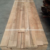 paks of air dried square edge oak measure and ready for sale