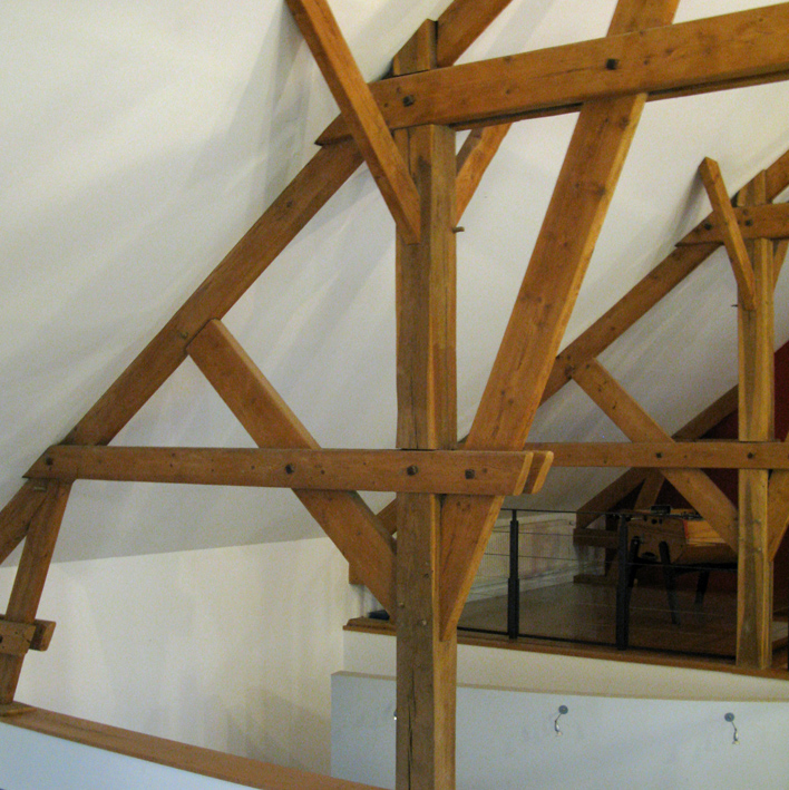 Mont D'Hor at St Thierry. The Douglas Fir roof structure in the barn